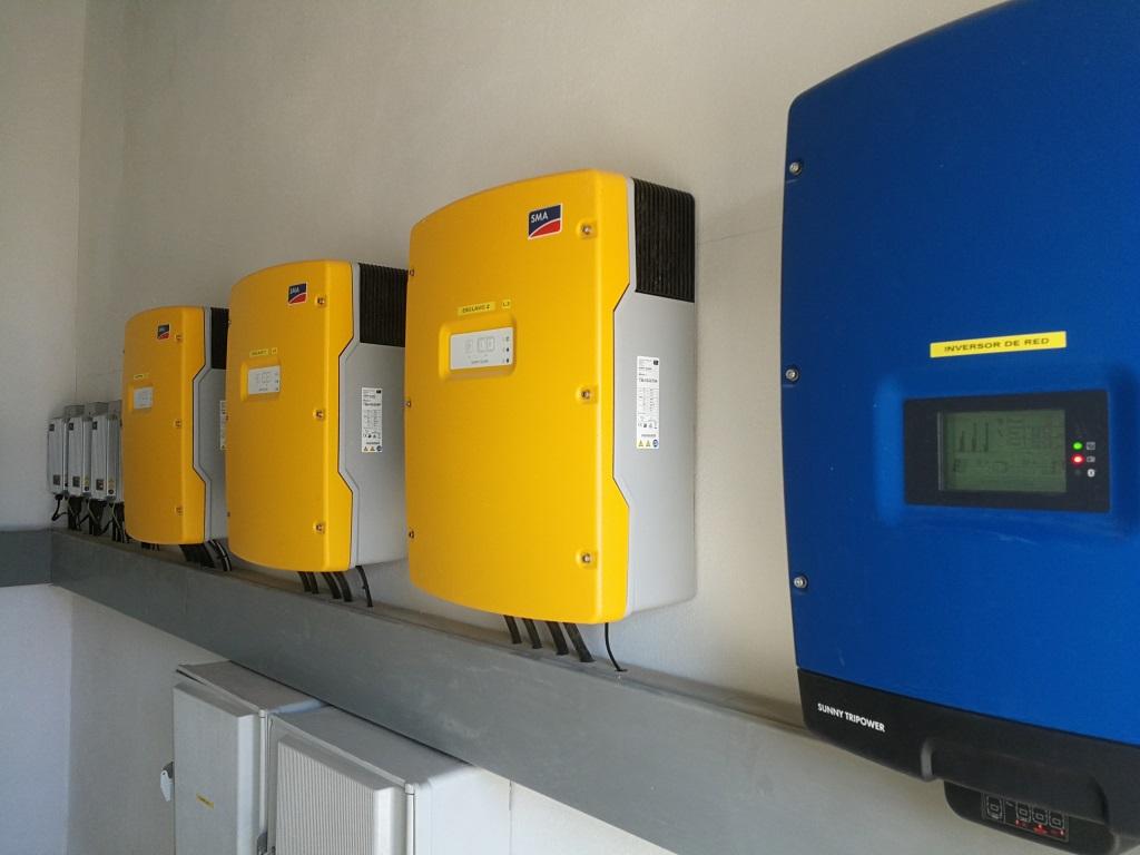 Instalación Fotovoltaica de 27 kW con baterías en el Pedroso, Sevilla