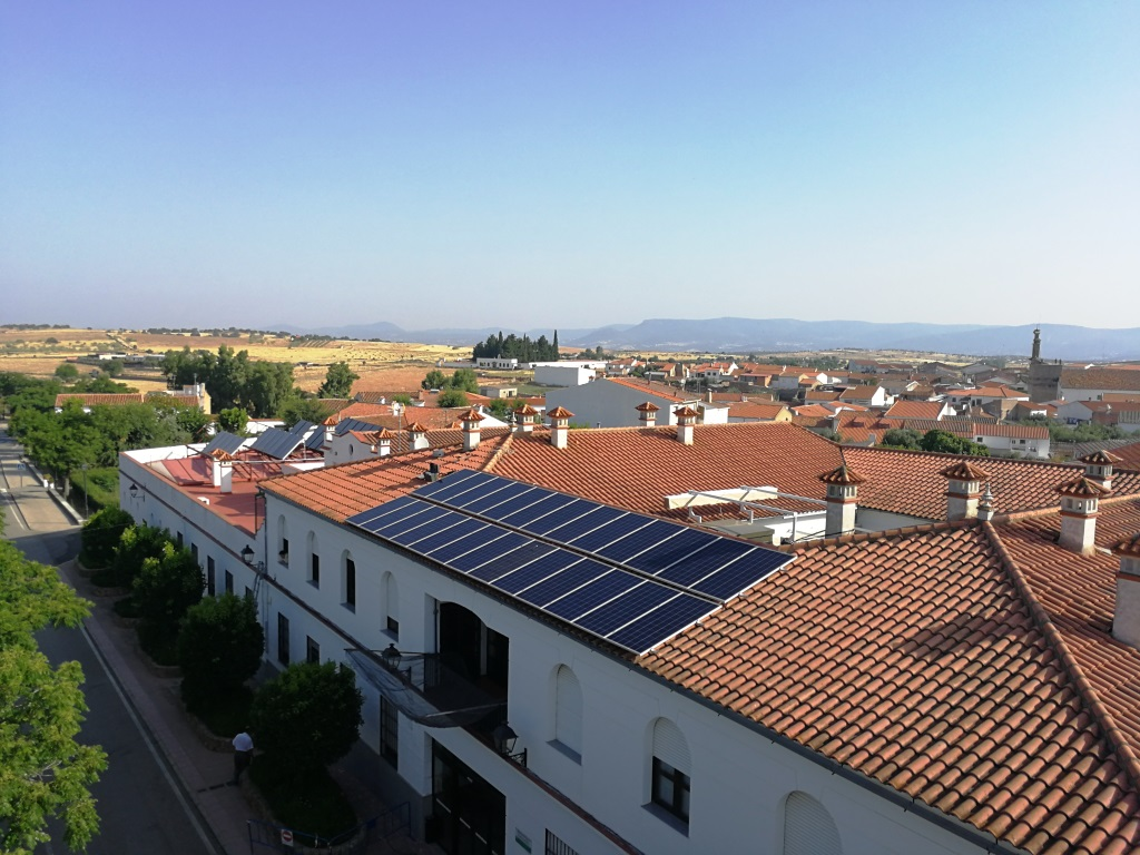 Finalizada Instalación Fotovoltaica para Autoconsumo en la Residencia Municipal de Mayores de Torrecampo