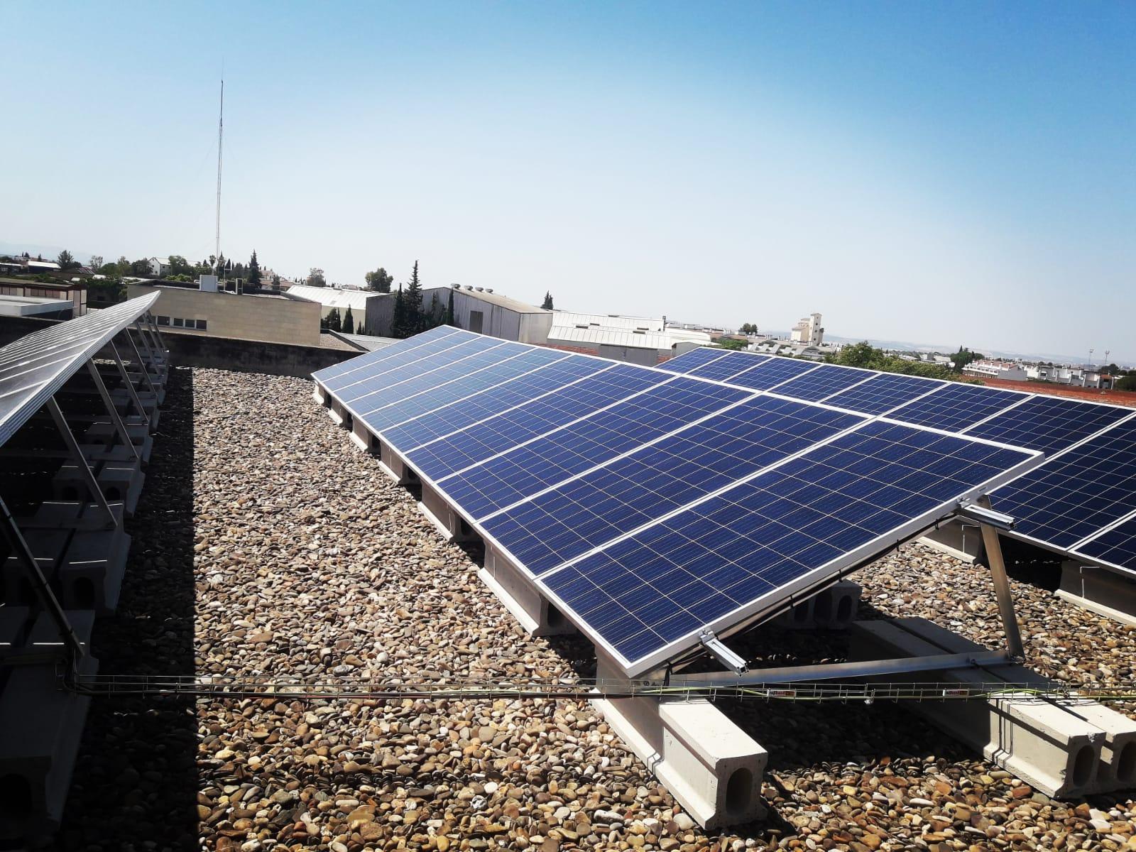 Se finaliza una nueva instalación para autoconsumo fotovoltaico en Servicios Técnicos del Ayuntamiento de Montilla