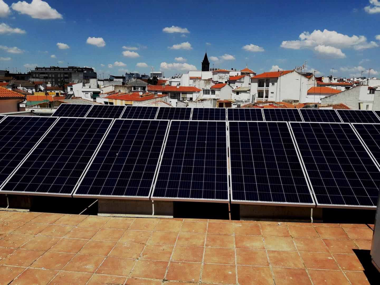 Finalizada instalación de autoconsumo fotovoltaico en Biblioteca del Ayuntamiento de Pozoblanco