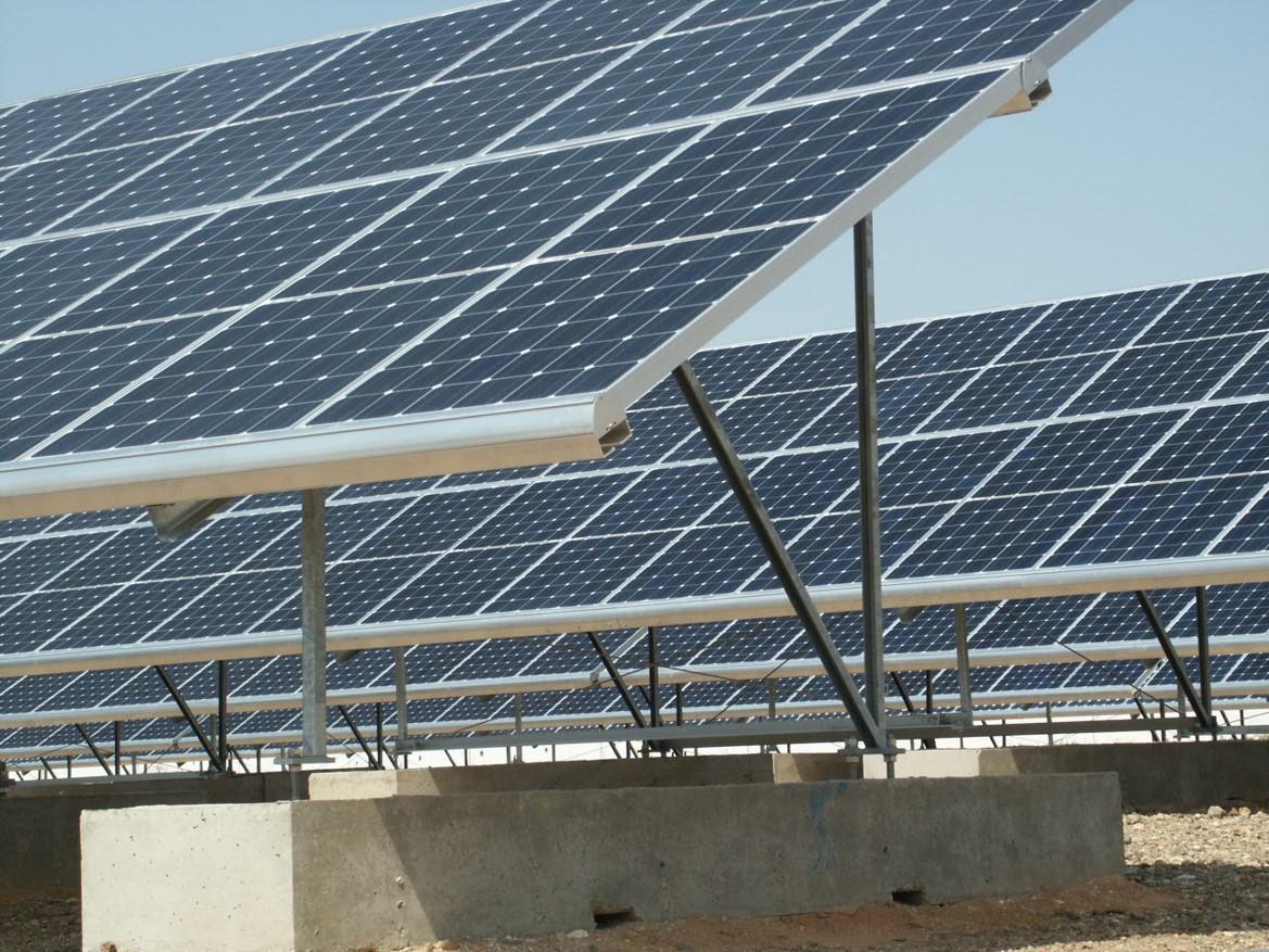 Instalación Solar Fotovoltaica de 109,92 kWp en Industria (Huelva)