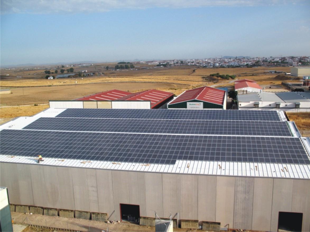 Instalación Fotovoltaica de 108,8kWp + 108,8 kWp en Distribuidoras Eléctricas (Córdoba)