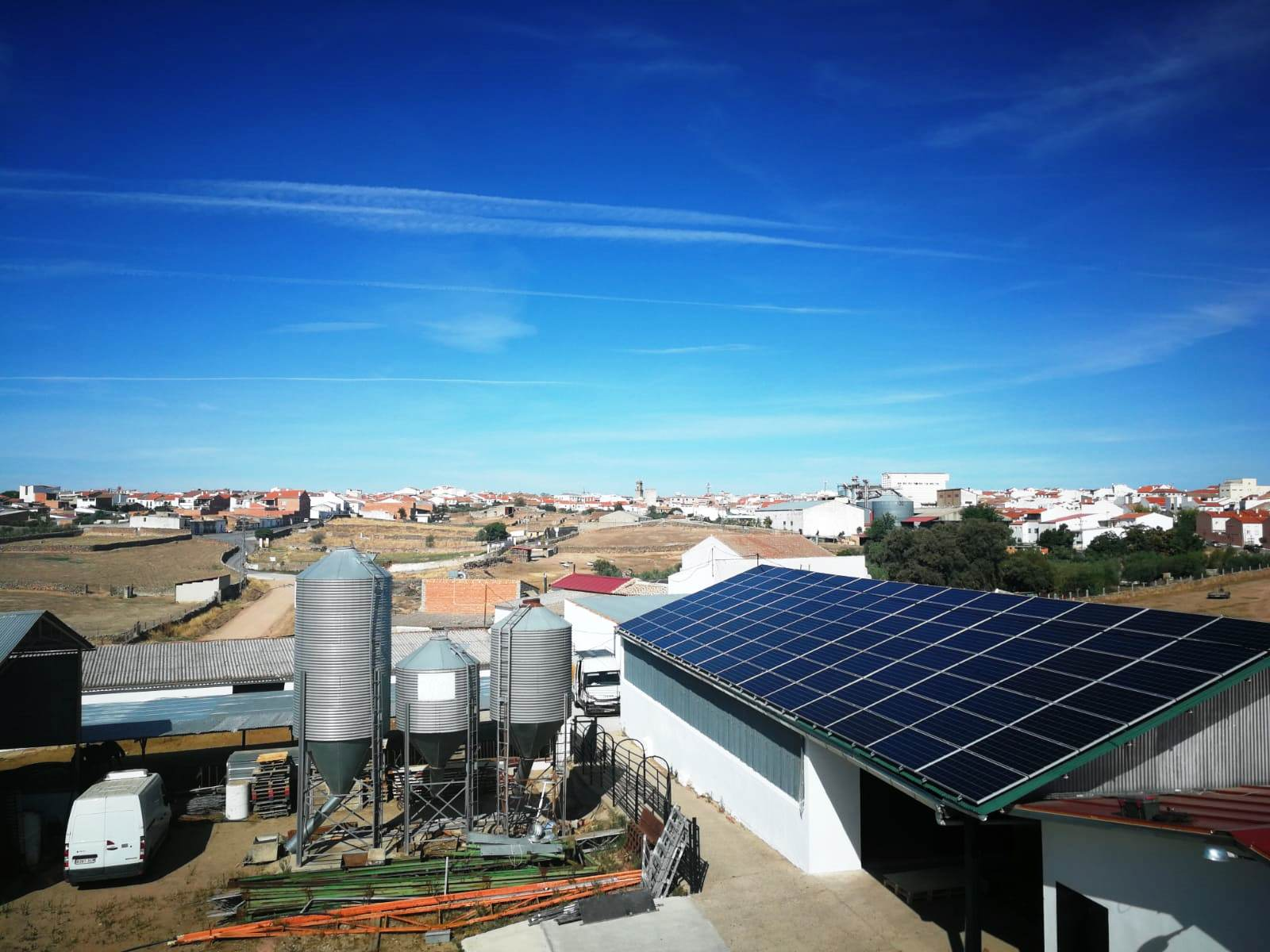 Autoconsumo de 33kWp en Industria Ganadera, Villanueva de Córdoba, Córdoba